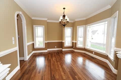 Construction of the living room ends with polishing of the floor and painting of the walls. What remains is for it to be furnished.