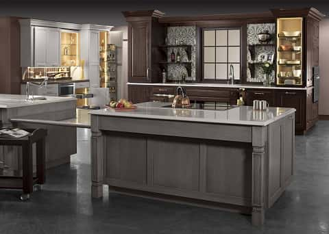 An ideal American kitchen design, decorated using earth colors and well-furnished with items within the color scheme.