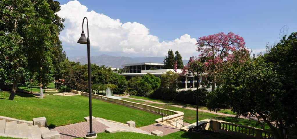 <p>The Grove residences are built on the grounds of the former Claypool-Fowler Mansion and include views of the Fowler Gardens, a preserved open space on the property, as well as the San Gabriel Mountains in the distance. Residents can take advantage of the community's network of walking paths and outdoor lounges to enjoy the lush landscaping and pleasant year-round climate.</p> <p >PHOTO COURTESY OF<br /> Insignia by City Ventures</p>