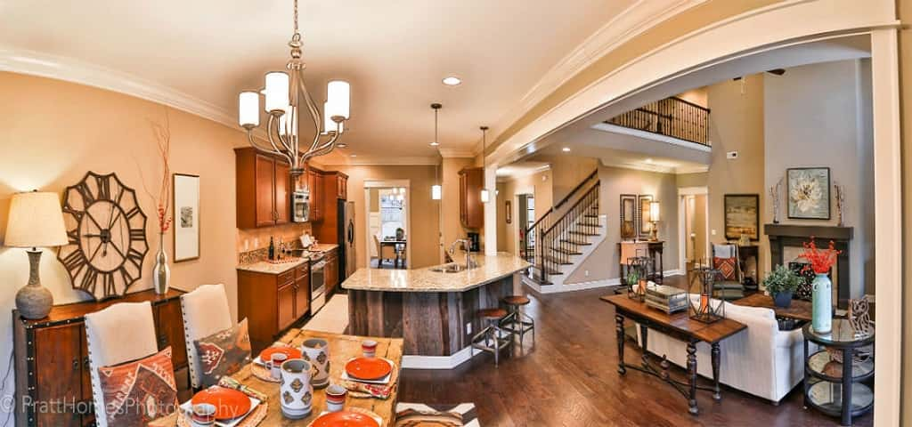 Home of the week shenandoah plan by pratt home builders for The canyons at falling water