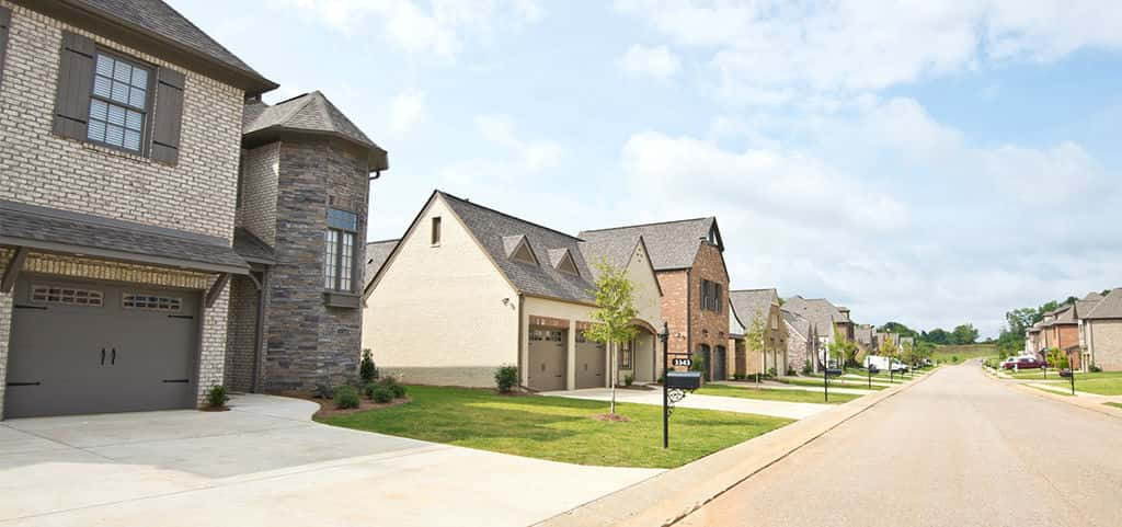 "<p>Located in the heart of Trussville across from The Pinnacle and The Promenade shopping centers, Brooke's Crossing is close to the most popular stores in the area. And with easy access to the highway, the best of both Birmingham and Trussville are at your doorstep.<br /> <br /> At Brooke's Crossing, Tower Homes employs the ""BEST"" building practices: B – quality Building standards, E – Energy efficient solutions that are great for your wallet and the environment, S – hundreds of Selections and options and T – a Total value that's of the highest quality.</p> <p >PHOTO COURTESY OF<br /> Tower Homes</p>"